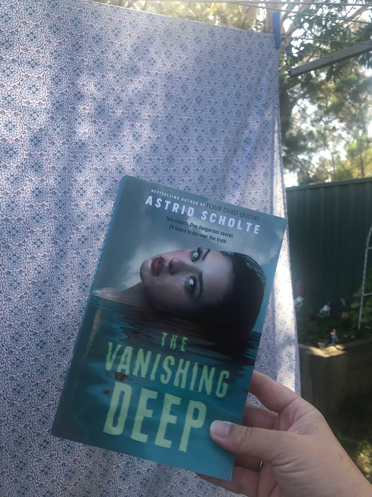 20 Saturday  The Vanishing Deep  Astrid Scholte – BookishBron